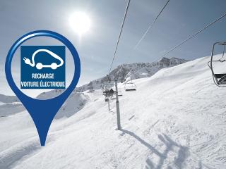 Véhicule Electrique: Borne de recharge accélérée