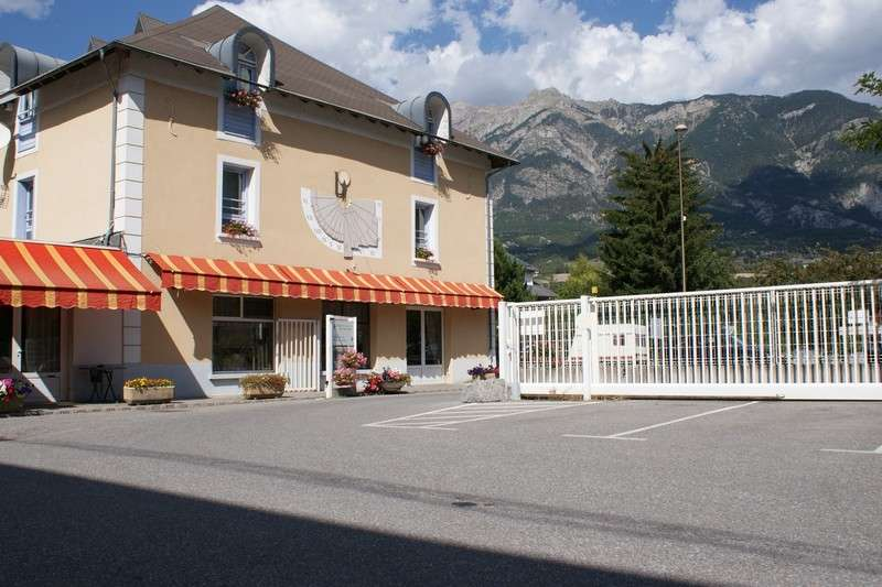 hotel-lacour-908