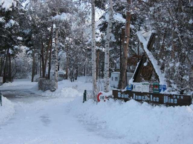 risoul-camping-saintjames-accueil1-hiver-911