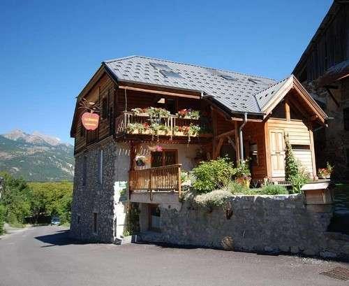 risoul-chambredhote-lasource-exterieur-583-1264-1439