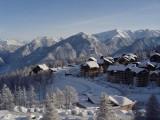 risoul-hebergement-altair-67-chambre-vue-hiver-2-5390