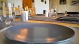 risoul-hebergement-chalet-les-balcons-table-sejour-12868