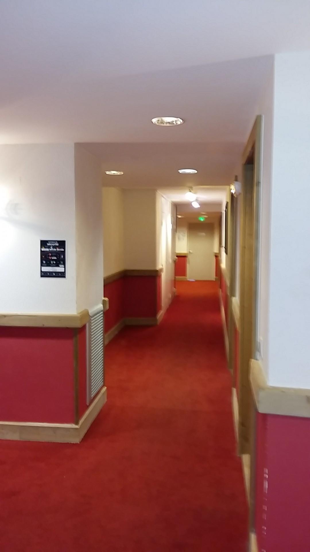20180217-171307-couloir-4eme-etage-14505
