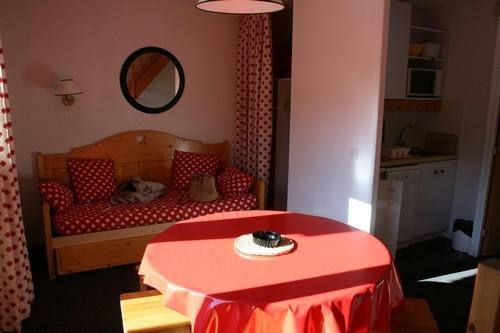 risoul-hebergement-altair-68-salon-garbati-10735