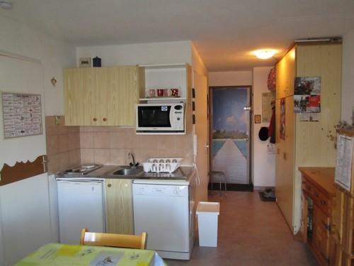 risoul-hebergement-chamois-52-cuisine-entree-marechet-10456