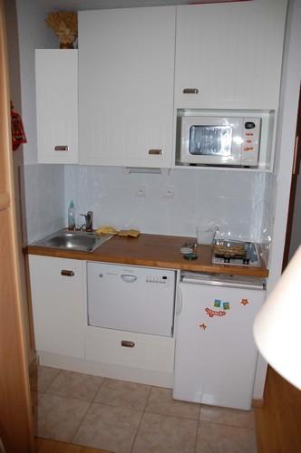 risoul-hebergement-coin-cuisine-airelles-a-57-lacroix-10340