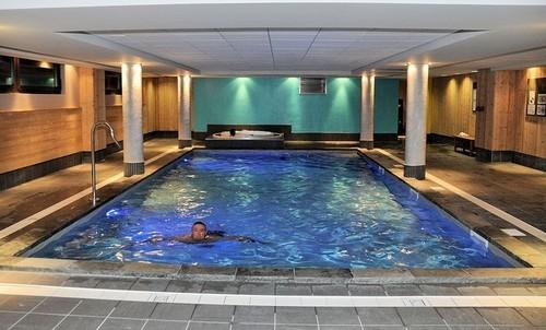 risoul-hebergement-deneb-piscine-ml-6830