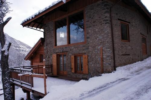 risoul-hebergement-ferme-risoul-batisse-hiver-2-2155