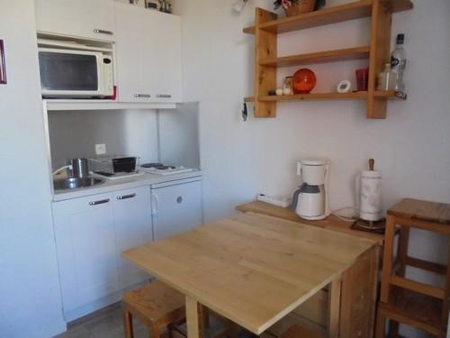 risoul-hebergement-franck-sejour-cuisine-12724