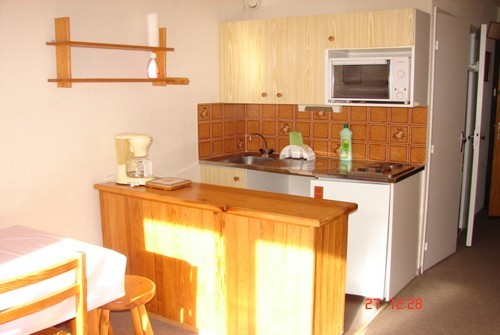 risoul_accommodation_slp_cristalb21_kitchen_630
