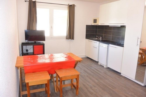 risoul-hebergement-laus-405-salon-cuisine-2-ficat-10722
